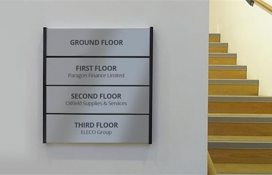 immagine anteprima Aluminum indoor signs for hospitals, shops, offices and more