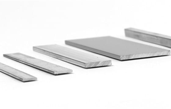 immagine anteprima Barre piatte alluminio: il più essenziale dei profilati