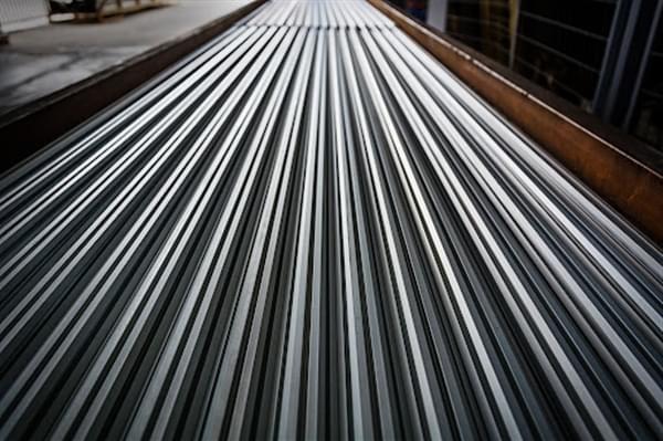 profili in alluminio estruso